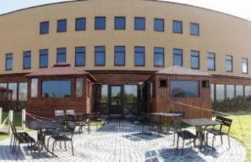"""Das Restaurant """"Chistye Prudy"""" auf den Teichen (St. Petersburg). """"Kompott"""", """"Glück"""", """"Nostalgie"""" und Restaurants auf dem Wasser in Moskau"""