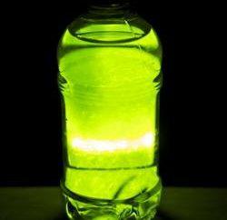 Come fare un liquido incandescente in casa?