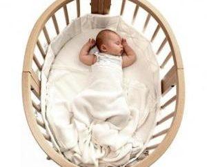 La dimensione di un lettino per neonati questioni