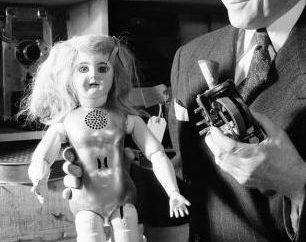 poupée parlante: une petite amie pour une petite fille