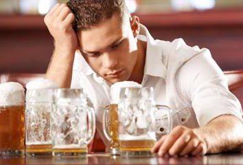 Comment supprimer l'intoxication alcoolique dans la maison? Comment guérir une gueule de bois à la maison?