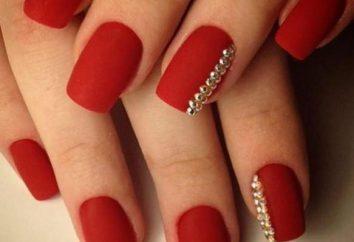 Gel vermelho polonês: fogo nas pontas das unhas