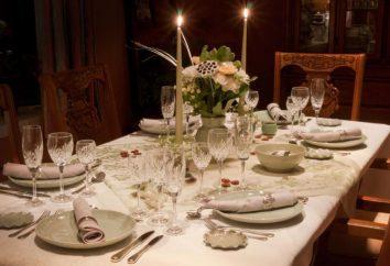 Table setting pour le petit déjeuner, le déjeuner et le dîner. Au service de la table des enfants. Les méthodes et les styles de tableau