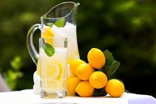 Jak gotować domowej lemoniady? Przepis, z którego wszyscy będą zachwyceni!