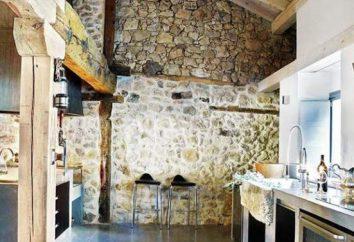 Finition avec couloir en pierre, une cuisine dans l'appartement