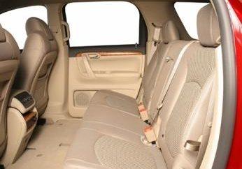Wyściółka z wnętrza samochodu własnymi rękami z pomocą Alcantara – tani i skuteczny