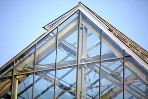 Die richtige Installation von Polycarbonat: verlängert die Lebensdauer der Struktur