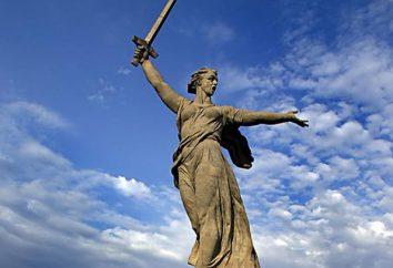 """L'altezza del """"Patria"""" (scultura). La storia del monumento"""