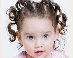 Modne fryzury dla dziewczyn do średnich włosów
