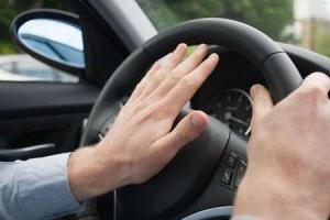 Sygnał dźwiękowy samochodu, jego zasada działania