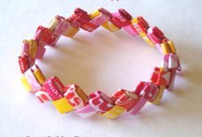 O que você pode fazer artesanato com as mãos para fora embalagens de doces? Dicas para adultos e crianças