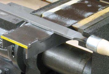 Metallablage. Die manuelle Bearbeitung von Metall. Rohrleitungen