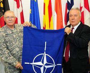 Flaga NATO – oficjalny symbol Sojuszu Północnoatlantyckiego