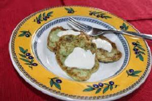 Assiette végétale savoureuse: biscuits aux pancakes