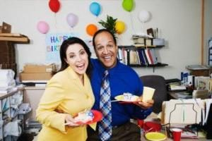 Como para comemorar o aniversário com colegas de trabalho?