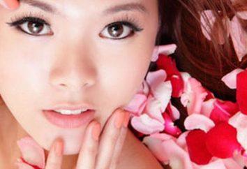 masques japonais. avec un masque d'acide hyaluronique