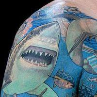 "Co robi tatuaż ""Shark""?"