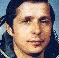 Wiktor Sawinych, radziecki kosmonauta: biografia, rodzina, nagrody