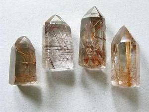 Kamień Wenus. Rutylu kwarcowy: Właściwości lecznicze i magiczne