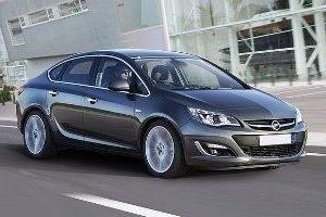 Opel Astra Family – doskonały samochód dla wycieczek rodzinnych