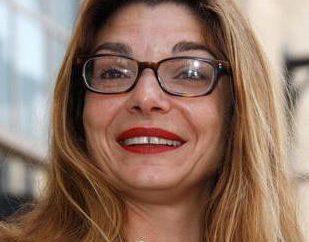 Laura San Giacomo, è un'attrice statunitense con un ruolo poliedrico e creatività