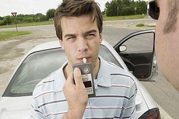 taxa admissível de álcool no sangue. Qual é a taxa de álcool permitida ao volante?