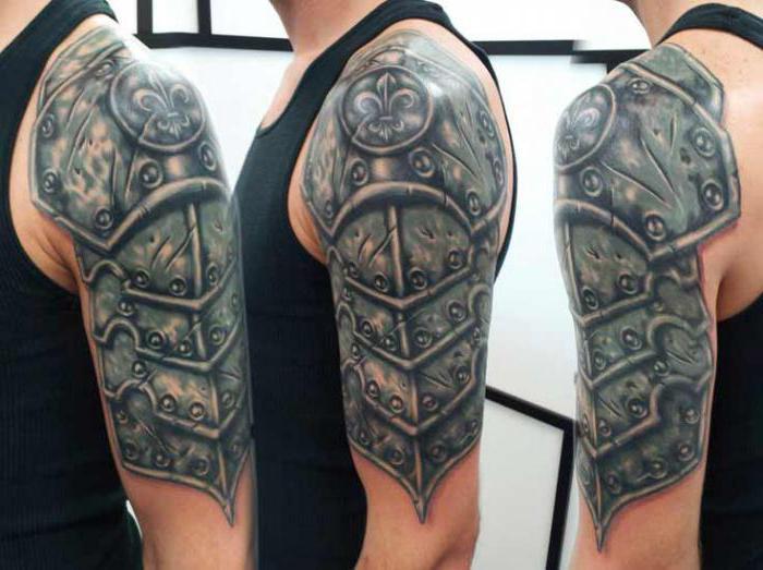 """Famoso Tatuaggio sulla spalla, """"corazza"""" - un simbolo di coraggio e  FN01"""