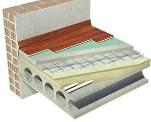 Die Montage der Bodenplatten: Stapelvorgang und vor allem Markierungselemente