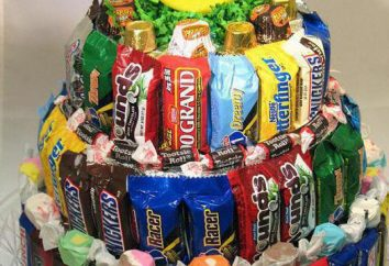 Torta de cumpleaños dulce en el jardín de infancia