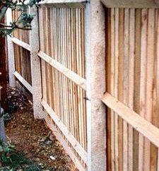 Nous produisons une clôture des piliers de bétonnage
