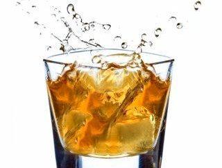 """Whiskey """"Black Label"""" – a qualidade padrão escocês"""