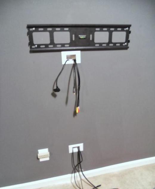 Wie der Draht von Ihrem Fernseher an der Wand verstecken ...