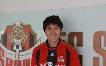 Kim Dong-jin, un jugador de fútbol: la biografía y foto