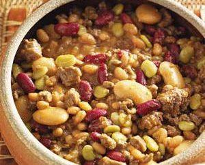 Comment faire cuire les haricots avec de la viande dans multivarka