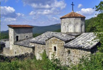 monasterio armenio Surb Khach: descripción, historia y datos interesantes