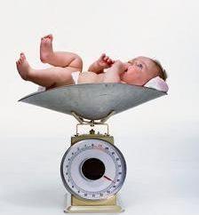 Quanto deve colocar em recém-nascidos de peso? Regras e exceções