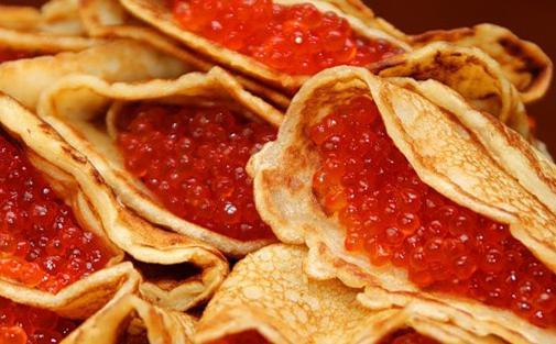 Russische Pfannkuchen Aus Weizenmehl