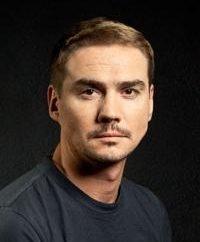 Denis Nikiforov biografia do ator
