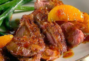 Uroczysty aromatyczne danie: pierś z kaczki w sosie pomarańczowym