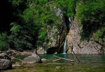 Les cascades d'eau le plus populaire quartier Hosta de Sotchi. Orekhovskiy et Zmeykovsky Chutes