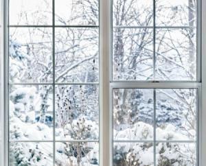 Wie Fenster im Winter zu versiegeln: beseitigen Entwürfe schnell, kostengünstig und ohne Beschädigung des Rahmens