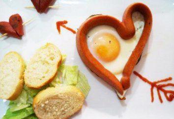 Desayuno con amor: Salchicha en forma de huevo con el corazón