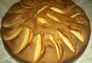Biscoito macio e macio com maçãs: uma receita para cozinhar em uma multivariada
