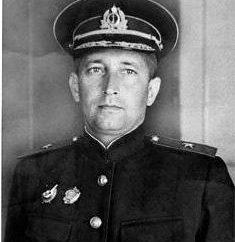 Admiral Cherokee: biografia, bitwy drogę