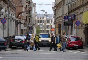 Parkowanie na chodnikach (SDA). Grzywny za parkowanie na chodniku