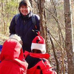 Promenade dans les enfants de la maternelle en tant que méthode de développement