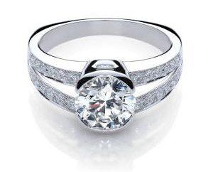 Comment choisir une bague de fiançailles avec un diamant, à la fiancée a été satisfait?