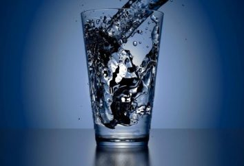 Jak pić wodę przez cały dzień, aby schudnąć?
