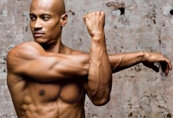 Jak zbudować triceps w domu na poziomym pasku z hantlami?