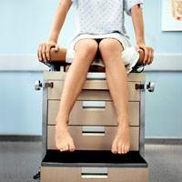Kiedy jest potrzeba badania ginekologa przez odbytnicę?